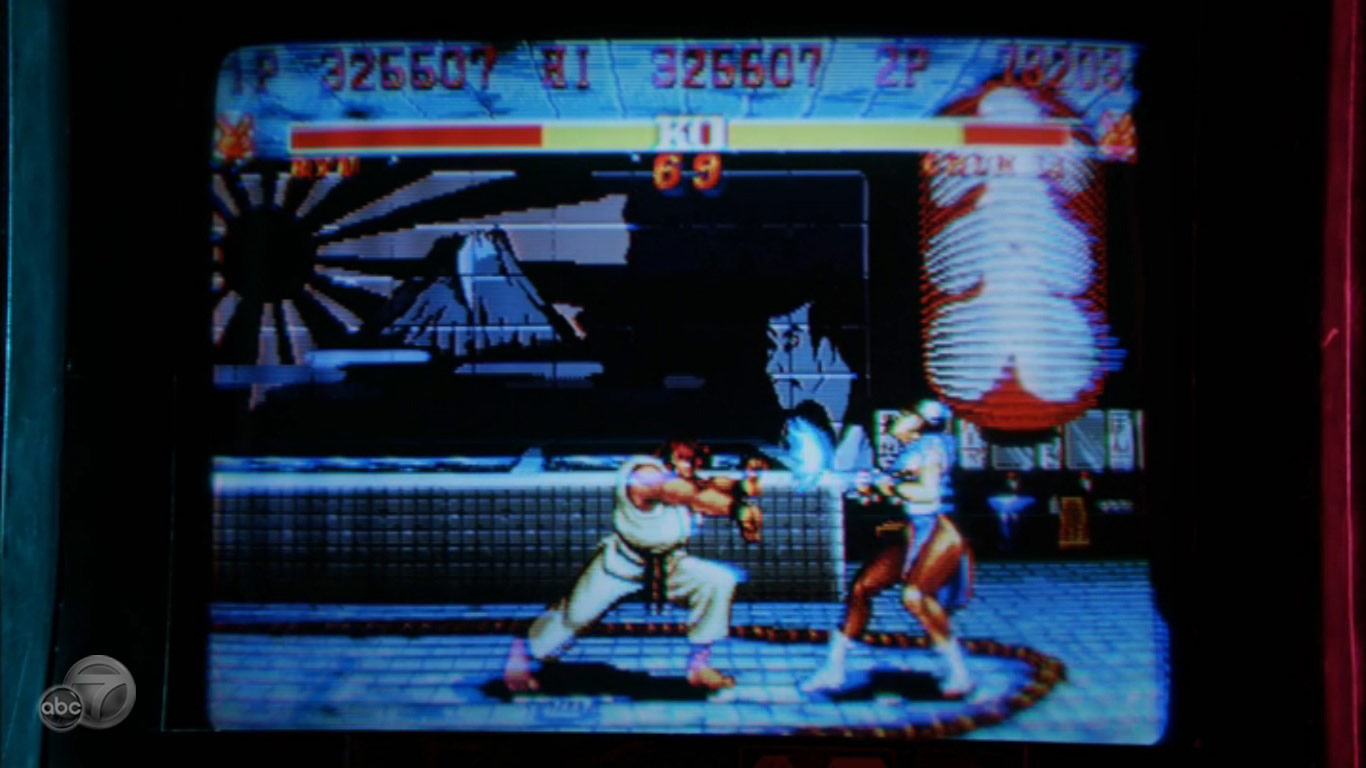 Street Fighter 2 being played in ABC's Revenge image #4