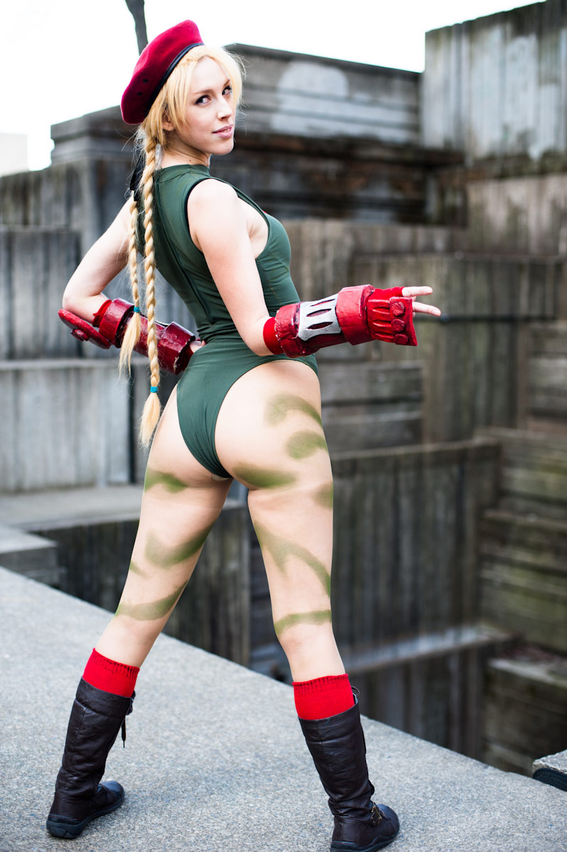 Cosplay gallery featuring fighting game characters image #6