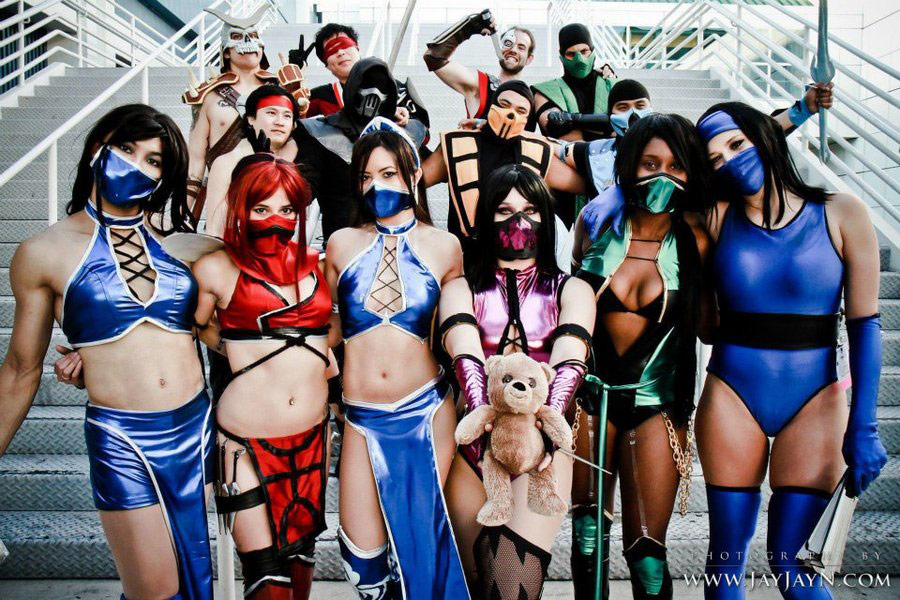 Street Fighter, Tekken, Mortal Kombat and more cosplay gallery image #2