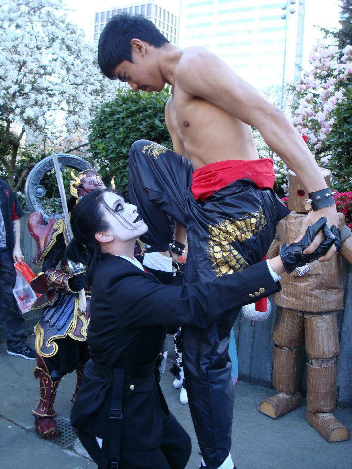 Street Fighter, Tekken, Mortal Kombat and more cosplay gallery image #3