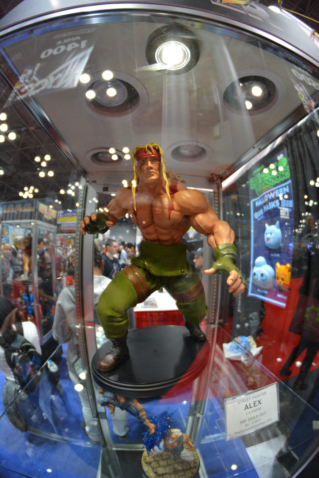 Statue photo from the 2013 New York Comic-Con by Jason24cf #9