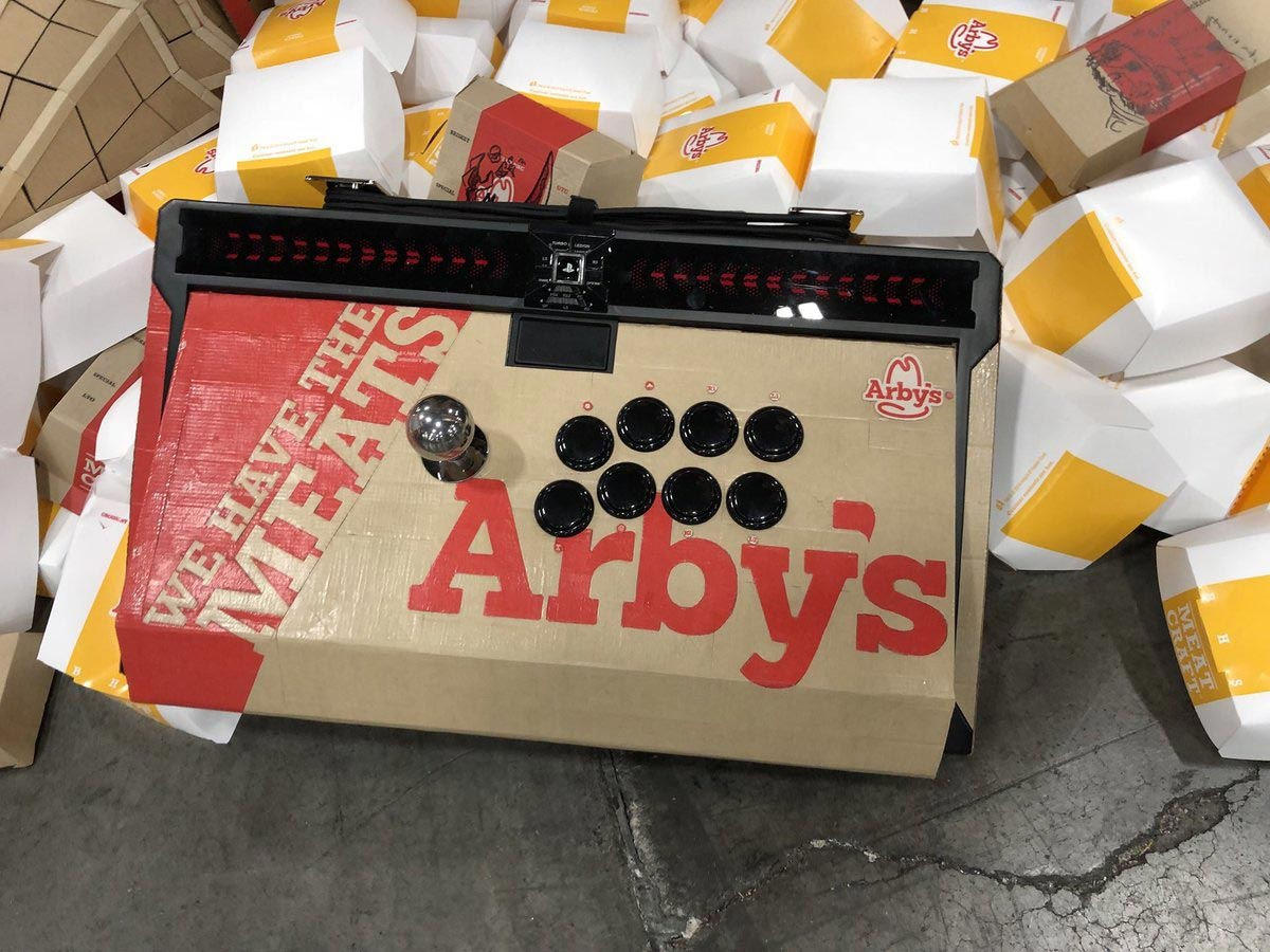 Arby's custom Qanba Dragon fightstick 1 out of 4 image gallery