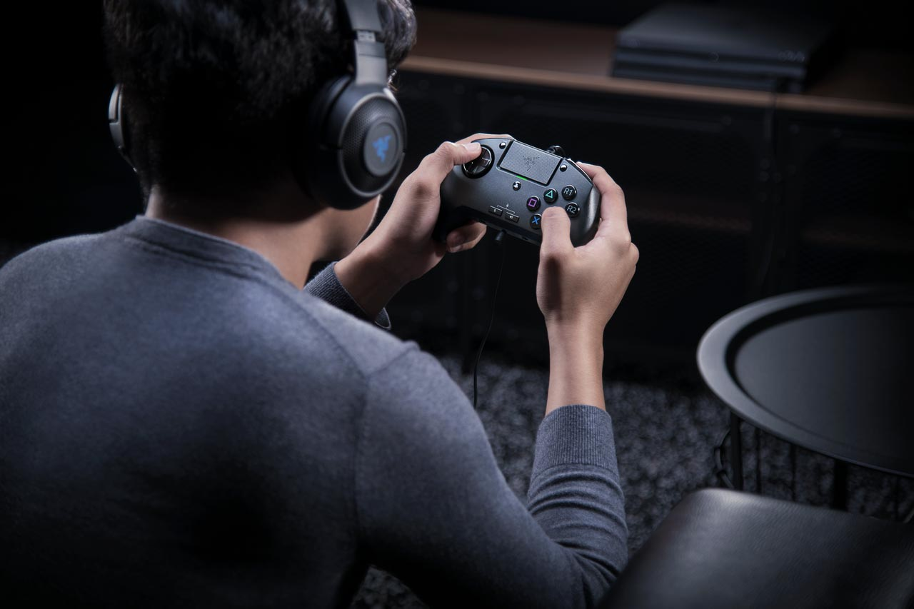 Razer Raion fightpad 2 out of 6 image gallery